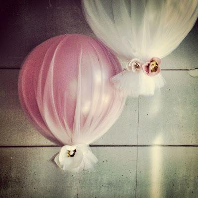 balões cobertos com tecido