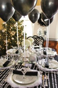 Balões na Mesa de Jantar