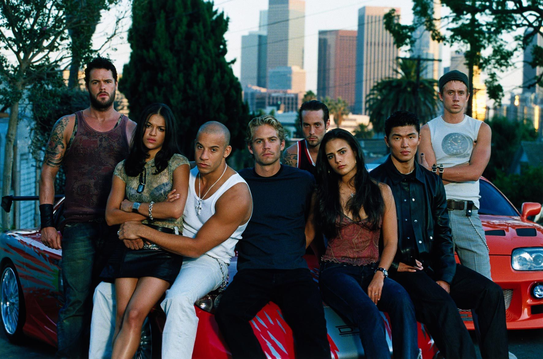 Cast-Fast-Furios-1-brian-oconner-and-mia-toretto-22563016-1772-1174